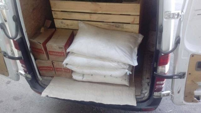 У Мукачеві двоє чоловіків кілька ночей обкрадали склади супермаркету, винісши товару на 12 000: фото, фото-1