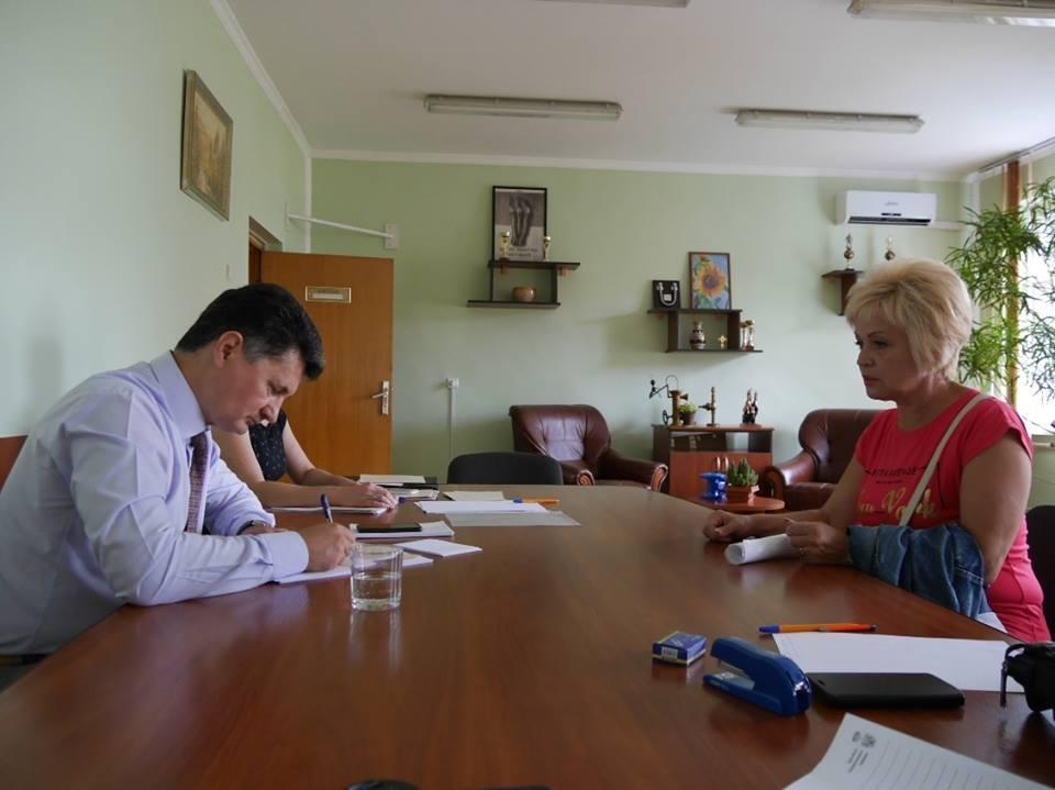 В Ужгороді до заммера звернулась жінка, родина якої 15 років не платила за воду - борг складає 49 тисяч гривень: фото, фото-2