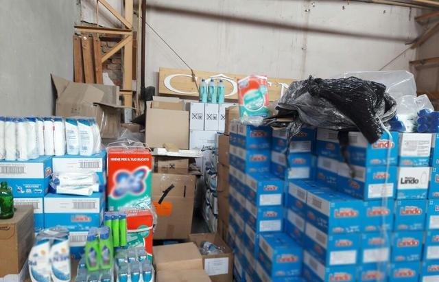 В Ужгороді вилучили із підпільних цехів 170 тонн незаконної продукції на близько 3 мільйони гривень: фото , фото-7
