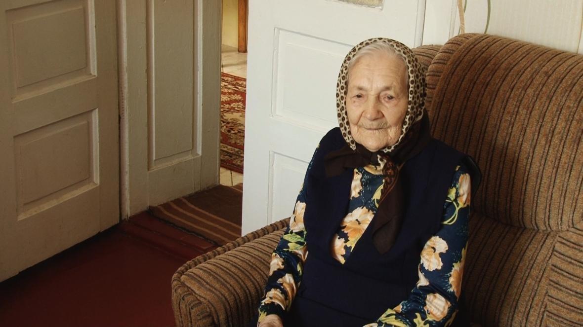 У Сторожниці пані Анастасія Шевчук відсвяткувала свою 102-у річницю: фото, фото-2