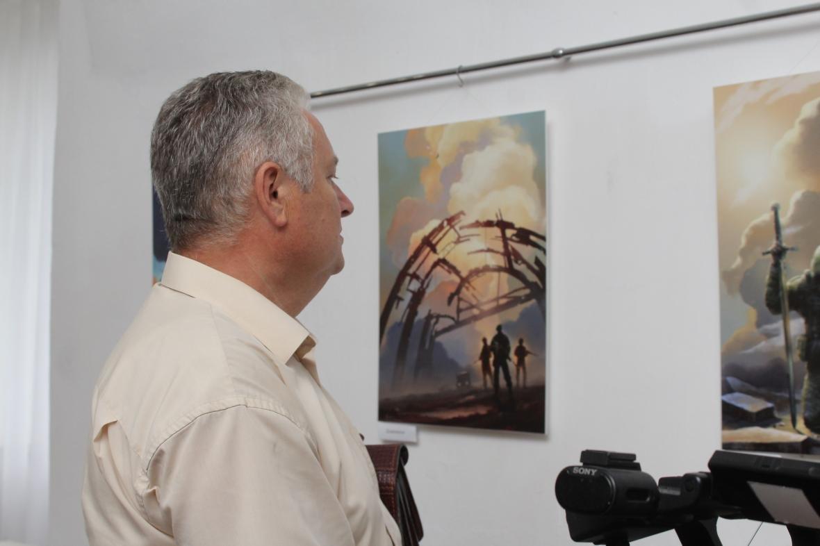 """Героїчні картини: у Мукачеві відкрили виставку """"Кордон"""" з історіями охоронців України, фото-9"""