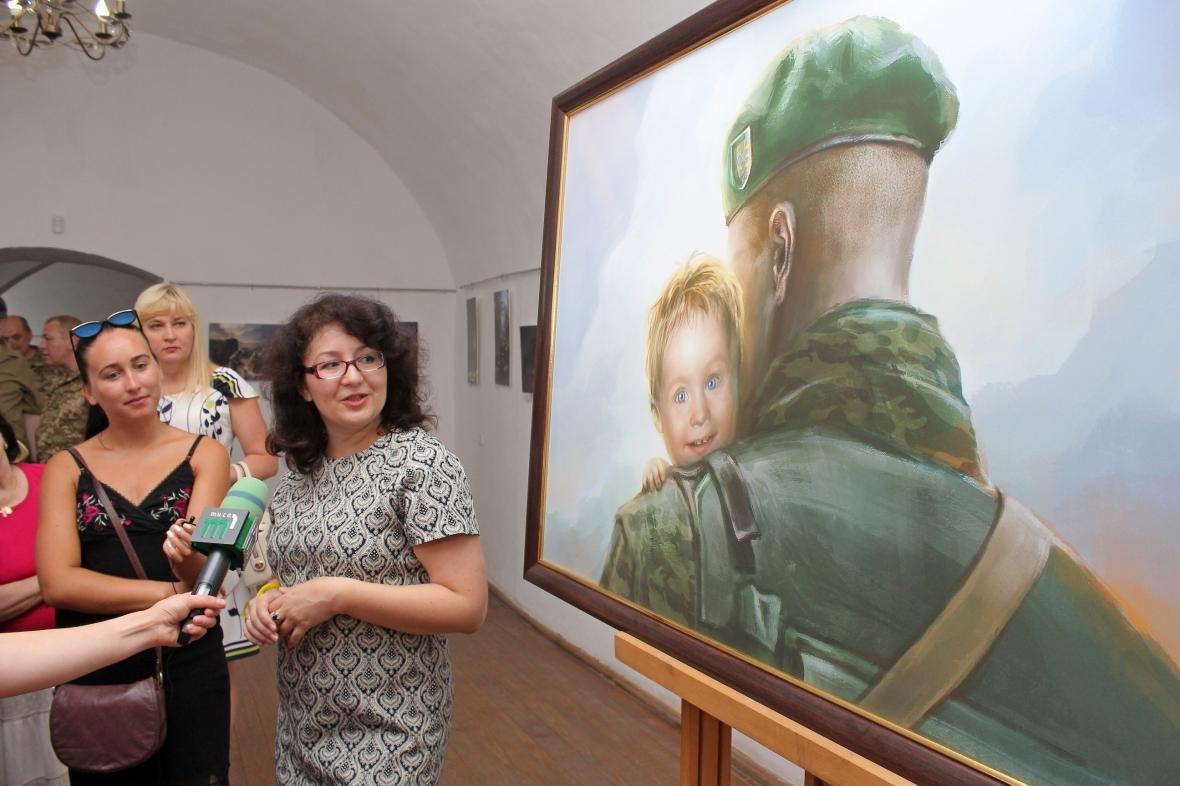 """Героїчні картини: у Мукачеві відкрили виставку """"Кордон"""" з історіями охоронців України, фото-17"""