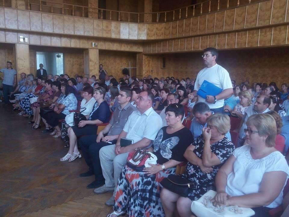 """Переворот у Хусті: депутати """"зняли"""" голову райради і його заступника, фото-1"""