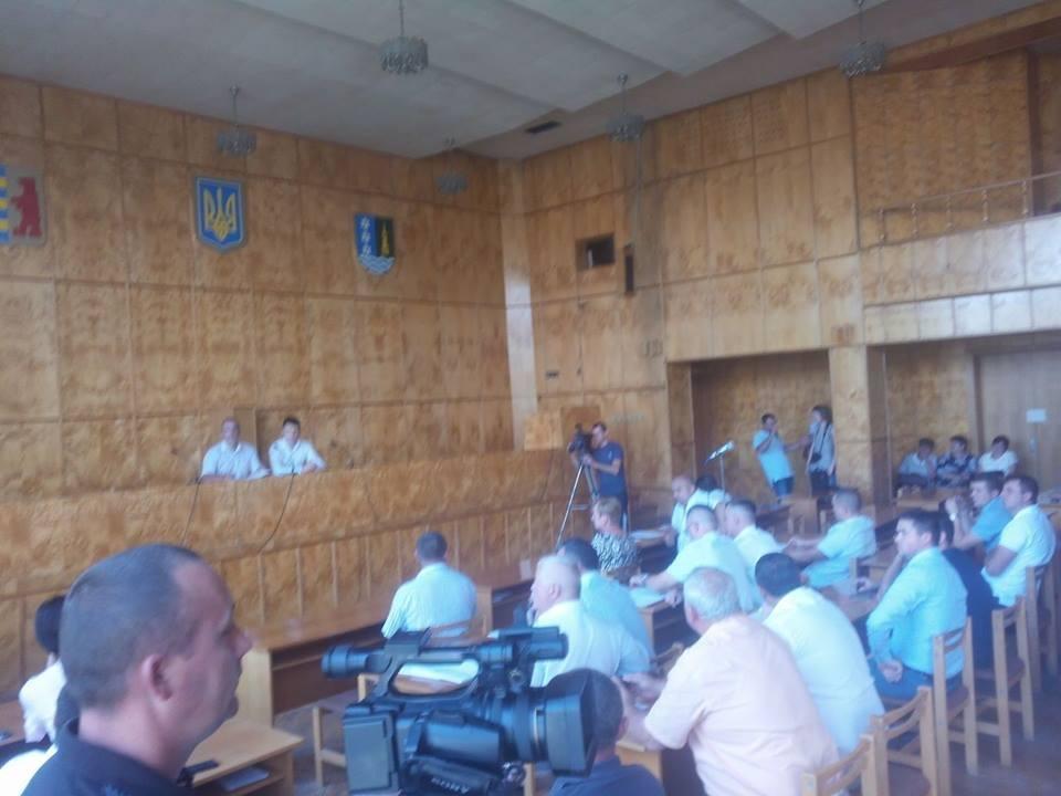 """Переворот у Хусті: депутати """"зняли"""" голову райради і його заступника, фото-2"""