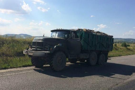 """На Ужгородщині - потрійне ДТП за участю двох """"Фіатів"""" та вантажівки: фото, фото-2"""