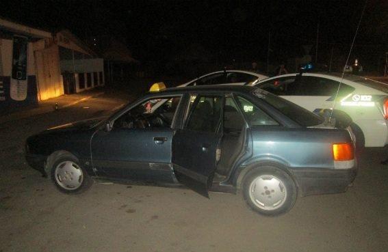 Ужгородська поліція розповіла деталі та показала фото нападу трьох ромів на чоловіка, фото-2