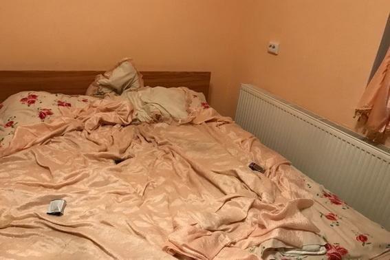 """На Ужгородщині 35-річна звідниця """"підігнала"""" клієнту 20-річну повію за 1400 гривень: фото, фото-1"""