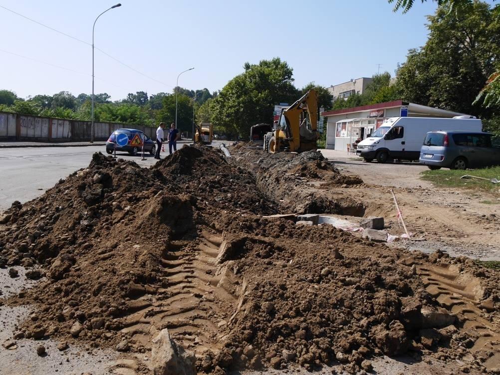 В Ужгороді ремонтують аварійний водогін за 4,3 мільйонів гривень: фото, фото-2