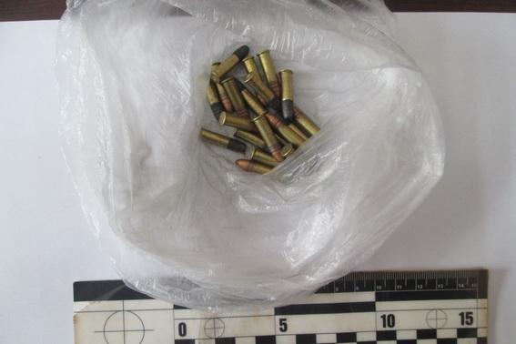 Уужгородець повідомив поліцію про чоловіка, який продавав на ринку боєприпаси: фото, фото-3