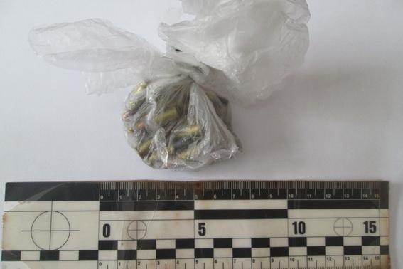 Уужгородець повідомив поліцію про чоловіка, який продавав на ринку боєприпаси: фото, фото-2