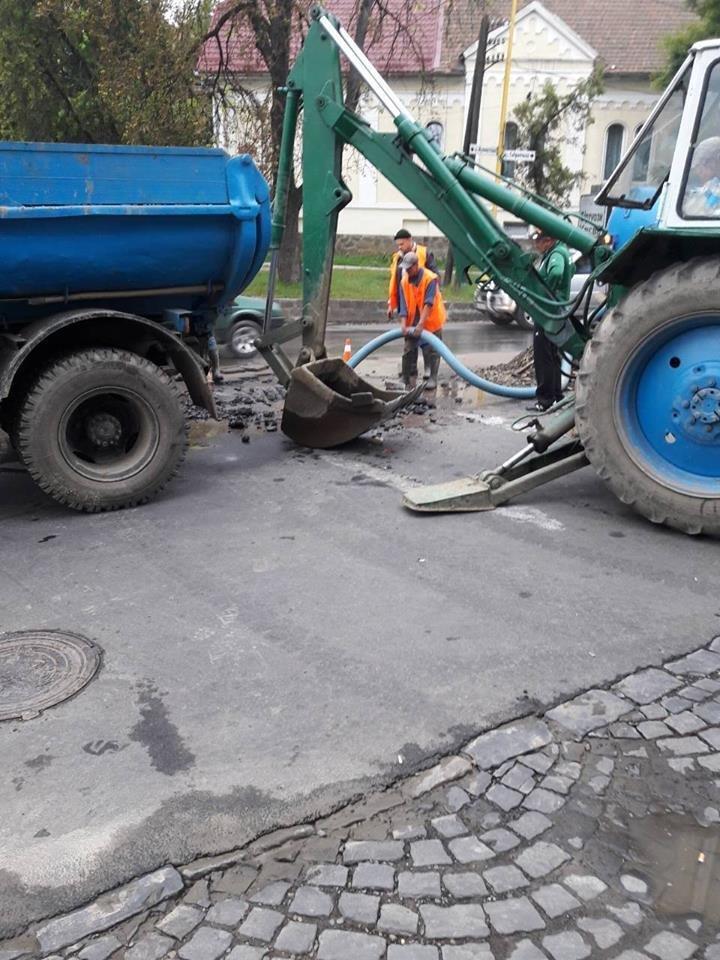 Масштабну аварію на водопроводі в Ужгороді ліквідовано: фото, фото-1