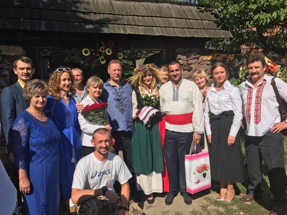 Місцевий боєць АТО втік із госпіталя в Ужгороді у Київ, щоб за день одружись із коханою: фото, відео, фото-2