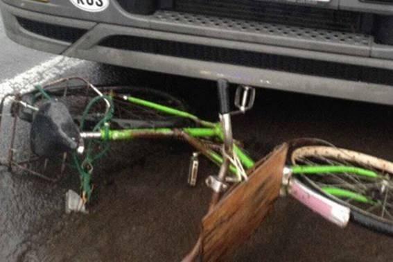 """На трасі """"Київ-Чоп"""" поблизу Мукачева росіянин на вантажівці насмерть збив жінку на велосипеді: фото, фото-1"""