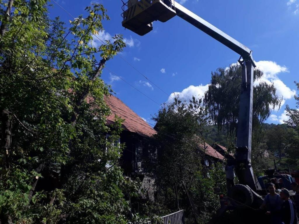 Негода на Закарпатті: 36 сіл без світла, лікарня без даху та два десятки повалених дерев (ФОТО, ВІДЕО), фото-1