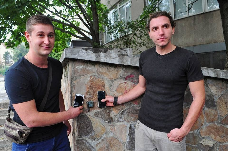 В Ужгороді побільшало на одну фірмову міні-скульптурку: фото, фото-3