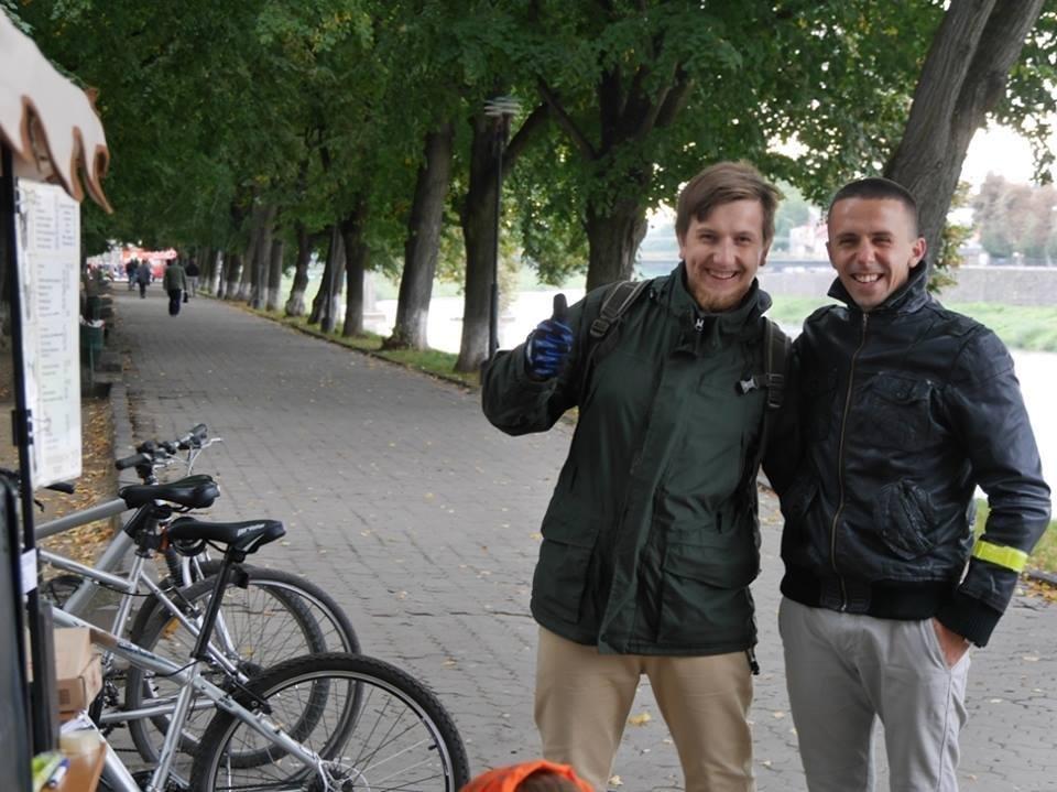 В Ужгороді пригощали печивом та кавою тих, хто їхав на роботу велосипедом: фото, фото-10