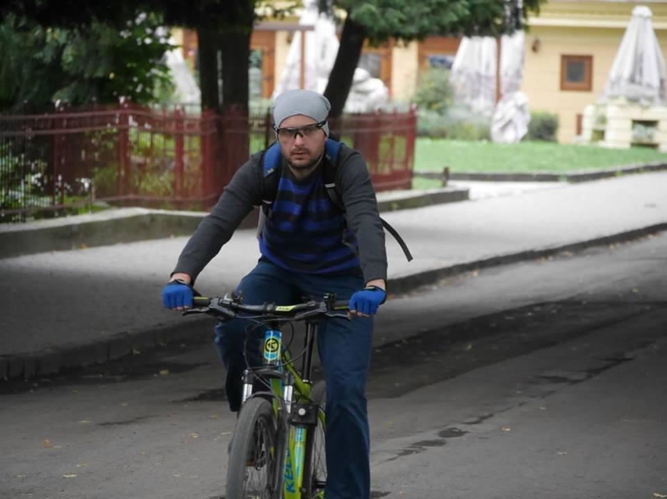 В Ужгороді пригощали печивом та кавою тих, хто їхав на роботу велосипедом: фото, фото-4