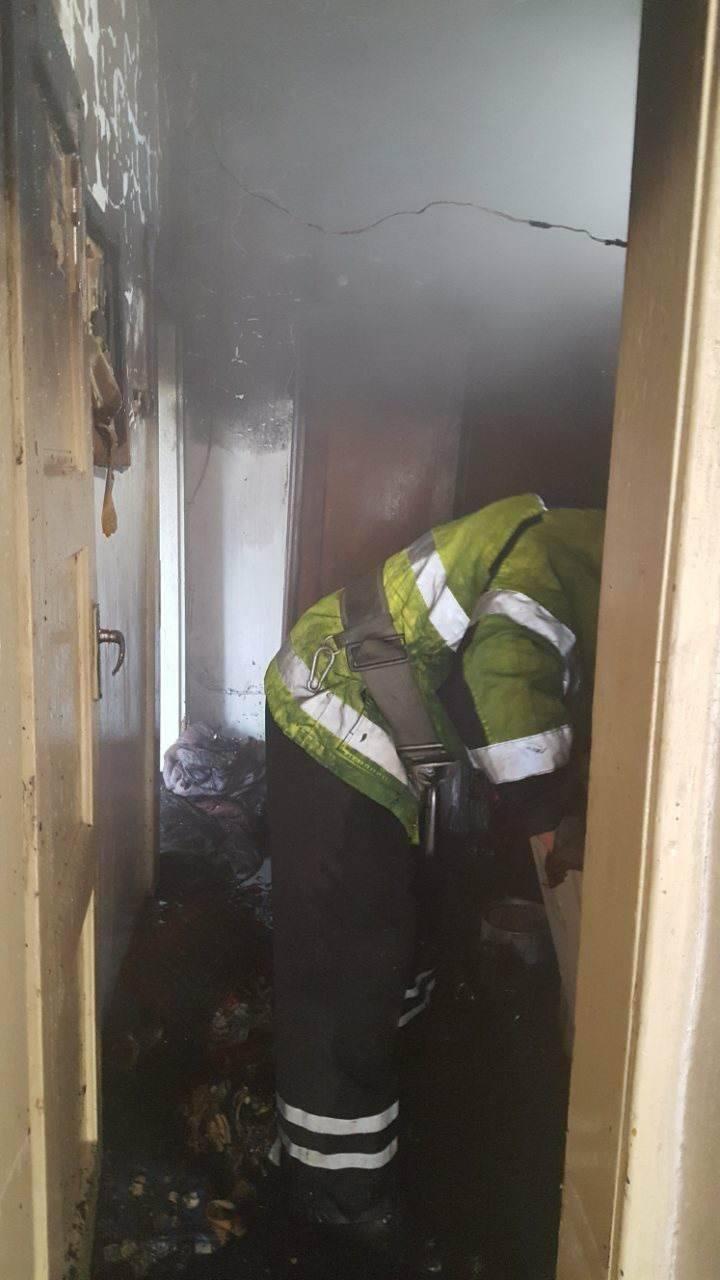 """""""Замкнуло"""" холодильник: у Хусті вогонь в будинку гасили 6 пожежників на 2-х машинах (ФОТО), фото-4"""