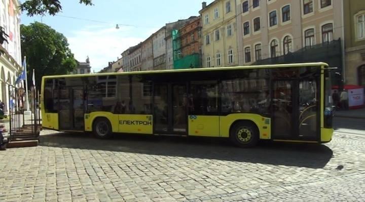 23-24 вересня Ужгородом безкоштовно їздитиме новий 100-місний автобус по маршрутам №№14 і 21 (ФОТО) , фото-1