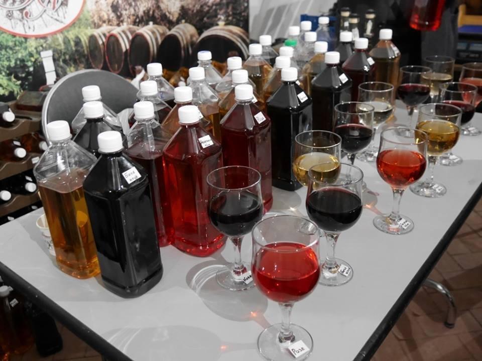"""До дня Ужгорода у підвалах """"Совиного гнізда"""" - продаж вина, меду і сиру: фото, фото-5"""