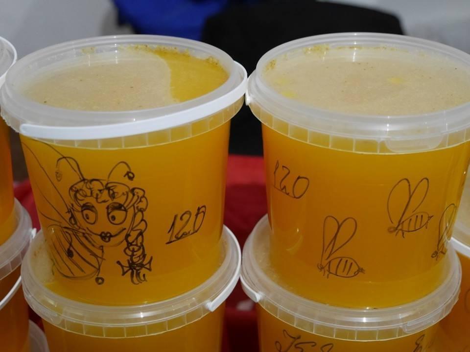 """До дня Ужгорода у підвалах """"Совиного гнізда"""" - продаж вина, меду і сиру: фото, фото-1"""