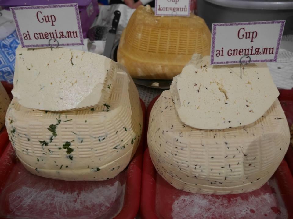 """До дня Ужгорода у підвалах """"Совиного гнізда"""" - продаж вина, меду і сиру: фото, фото-6"""