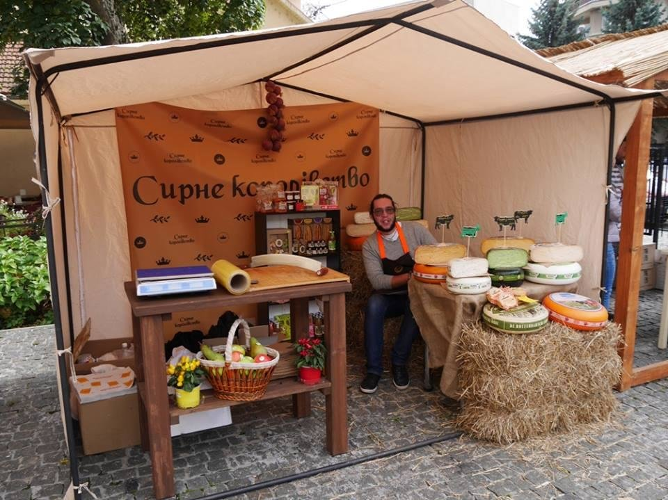"""До дня Ужгорода у підвалах """"Совиного гнізда"""" - продаж вина, меду і сиру: фото, фото-2"""