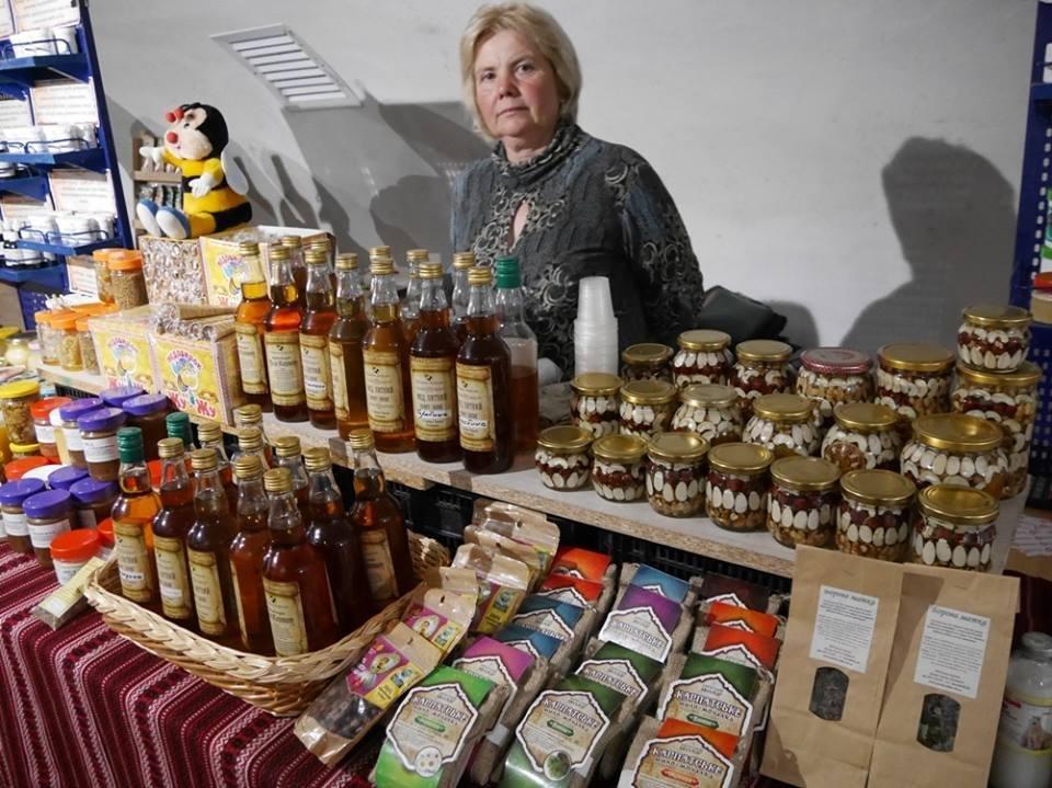 """До дня Ужгорода у підвалах """"Совиного гнізда"""" - продаж вина, меду і сиру: фото, фото-3"""
