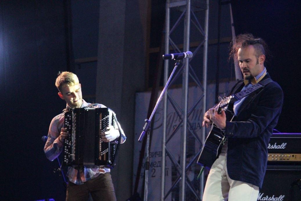 """Як """"СКАЙ"""" """"запалював"""" ужгородців на головному концерті до Дня міста: фоторепортаж , фото-13"""