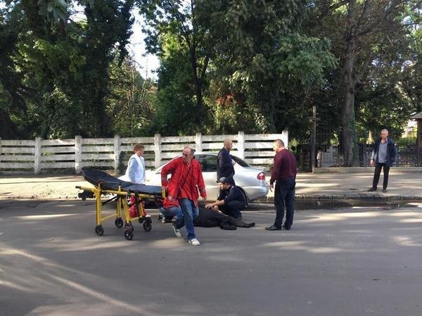"""В Ужгороді на Капушанській на пішохідному переході """"Дейво"""" наїхало на жінку: фото, фото-4"""
