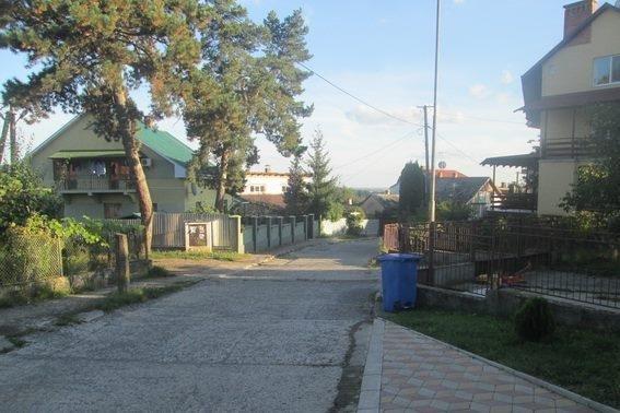 В Ужгороді п'яний пенсіонер вийшов на балкон свого будинку і почав стріляти із рушниці: фото, фото-1