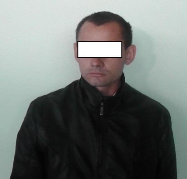 Як 27-річний закарпатець хотів перетнути кордон із чужим паспортом: фото, фото-1