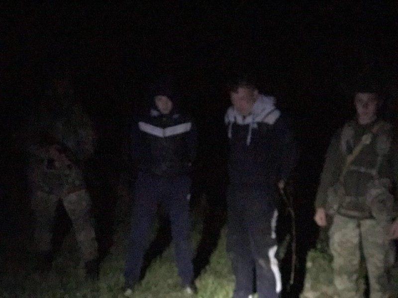 На кордоні в Ужгороді хлопці переправляли на квадрокоптері цигарки до Словаччини: фото, фото-3