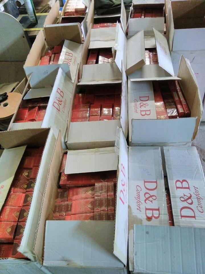 """В Ужгороді на Болгарській """"накрили"""" склад із контрабандними цигарками: фото, відео, фото-5"""