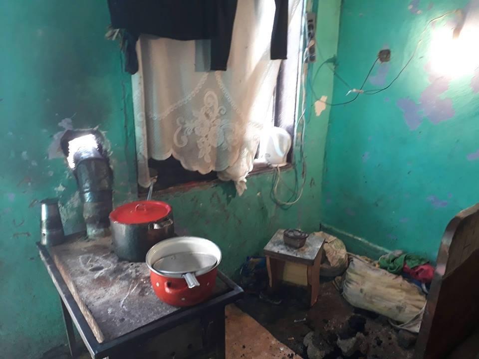 Мукачівська мерія пішла рейдом у циганський табір: фото, фото-2