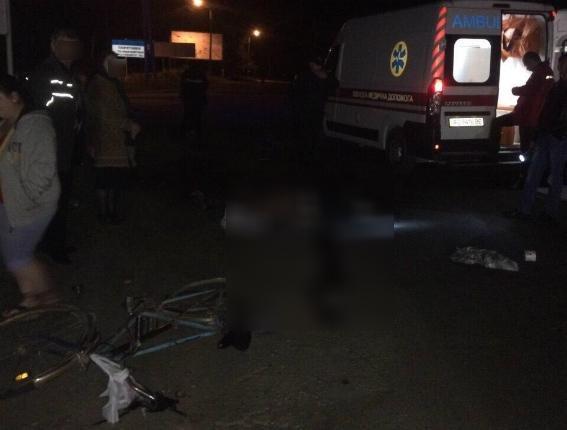 """Смертельна ДТП у Виноградові: """"ВАЗ"""" переїхав велосипедиста - чоловік помер на місці (ФОТО), фото-1"""