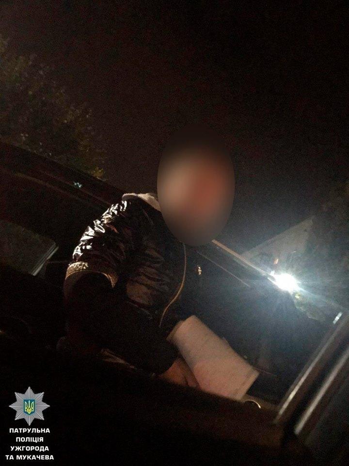 """В Ужгороді двічі за 2 години патрульні ловили п'яну жінку-водія за кермом """"Хюндай"""": фото, фото-1"""