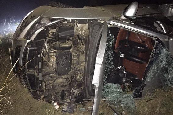 """На Закарпатті """"Шевроле"""" в'їхало в дерево: водій загинув у кареті """"швидкої"""" (ФОТО), фото-2"""
