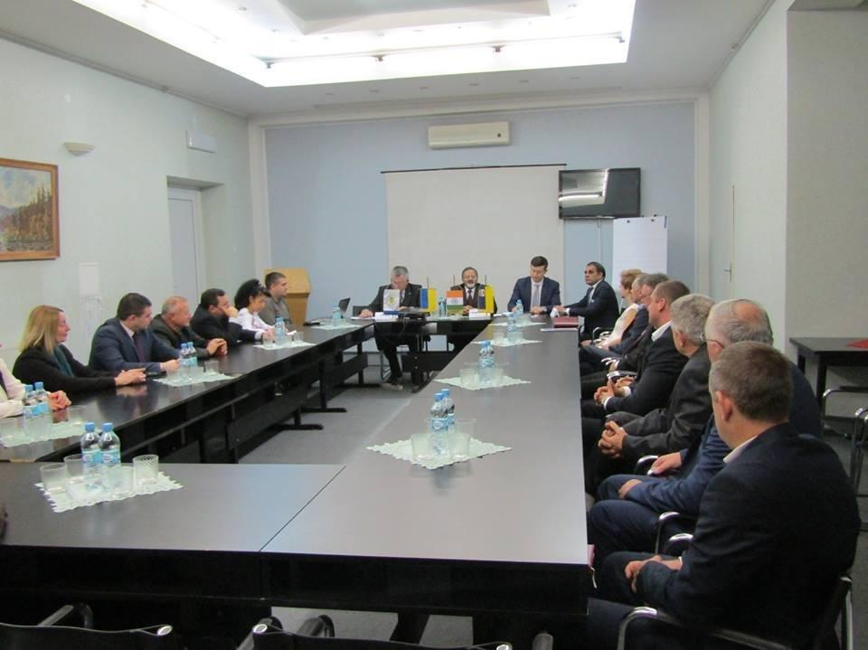 Візит індійського посла Бхарті в Ужгород: більше іноземних студентів та експорт на мільярди (ФОТО), фото-1