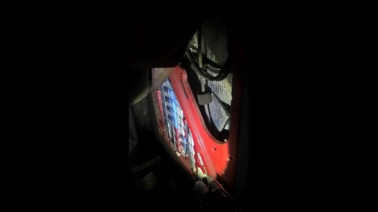 """На закарпатському кордоні через 244 пачки цигарок у чоловіка відібрали """"Мерседес"""" за 424 тисячі гривень: фото, фото-7"""