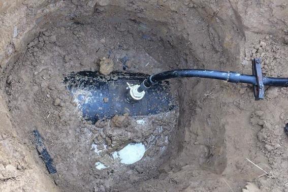 Біля Ужгорода знайшли незаконну врізку в нафтопродуктопровід: фото, фото-2