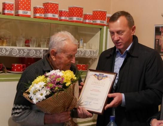 """""""Вперше звернувся до лікарів у 89 років"""": ужгородець-ювіляр  святкує 100-річчя (Фото), фото-3"""