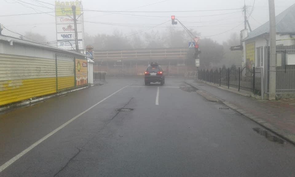 """Ужгородка спіймала горе-водія на """"Міцубісі"""", який ледь не збив дитину, врізався у авто і намагався втекти: фото, фото-3"""