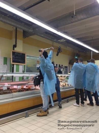 Ужгородський супермаркет перевіряють Анна Жижа і компанія (ФОТО, ВІДЕО), фото-2