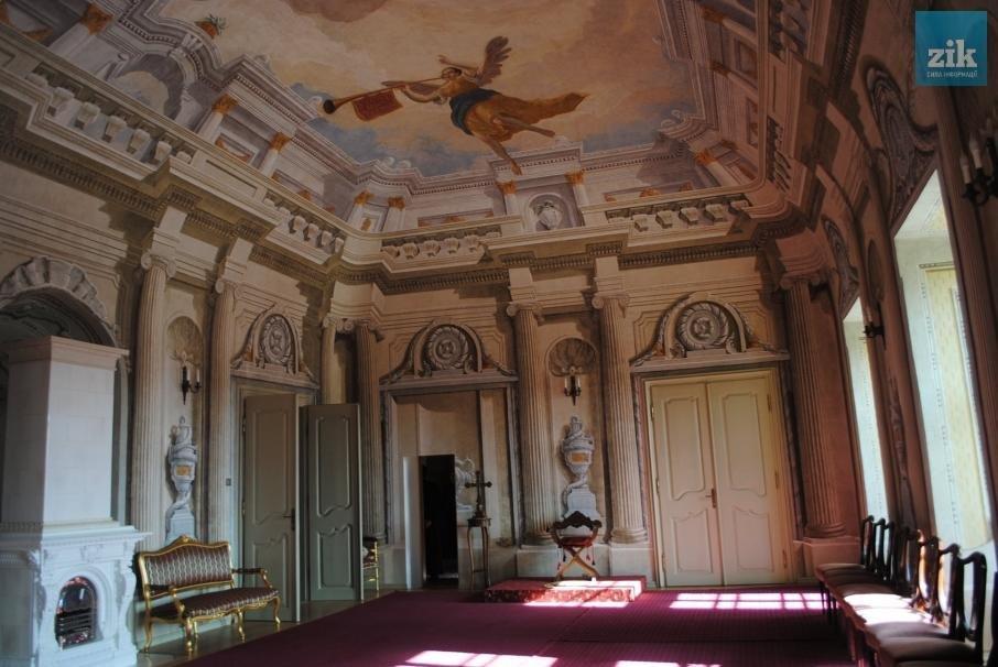 В Ужгороді усі охочі могли побачити відновлені приміщення резиденції єпископів: фото, фото-1