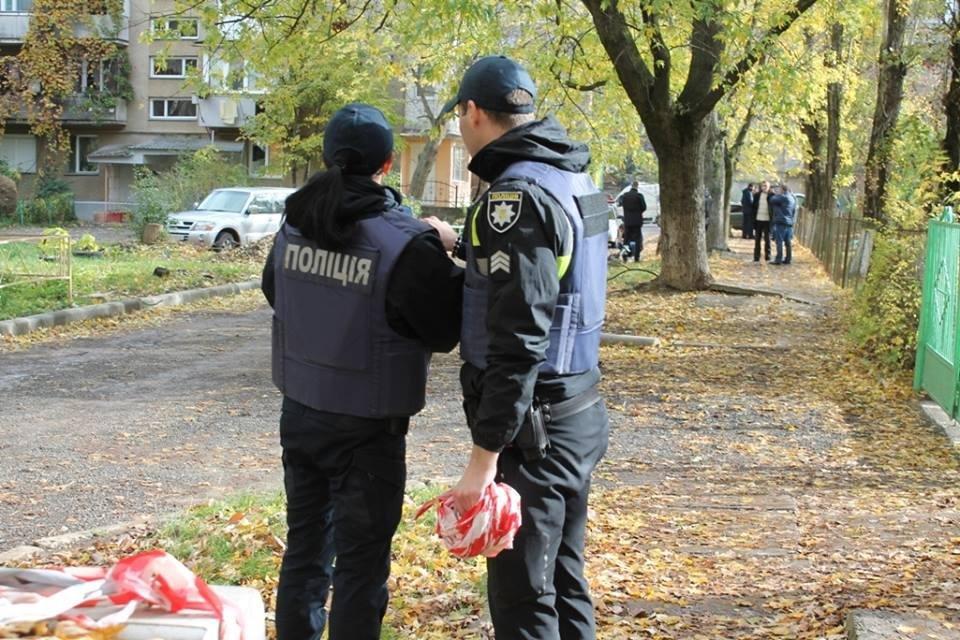 До джипа прокурора Ужгорода приєднали гранату з запалом: фото, фото-7