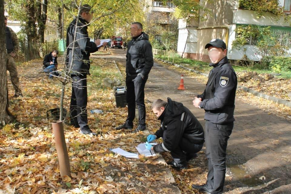 До джипа прокурора Ужгорода приєднали гранату з запалом: фото, фото-5