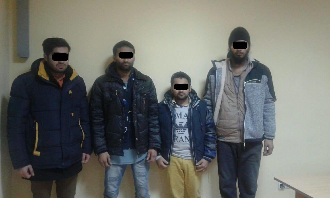 В Ужгороді поблизу кордону зі Словаччиною затримали 5-х нелегалів з Індії та пакистанця: фото, фото-2