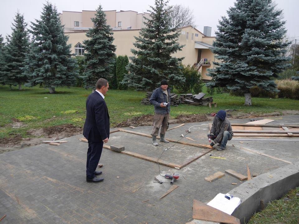 Монумент Героям АТО та капремонт за 1 мільйон гривень: в Ужгороді завершують роботи на Пагорбі Слави (фото), фото-5