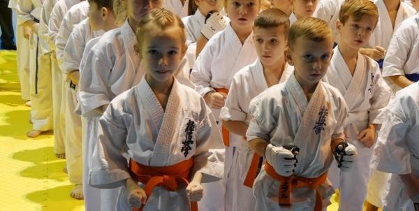 В Ужгороді  стартував  IX Міжнародний та відкритий чемпіонат Закарпаття з кіокушінкай карате: фото, фото-1
